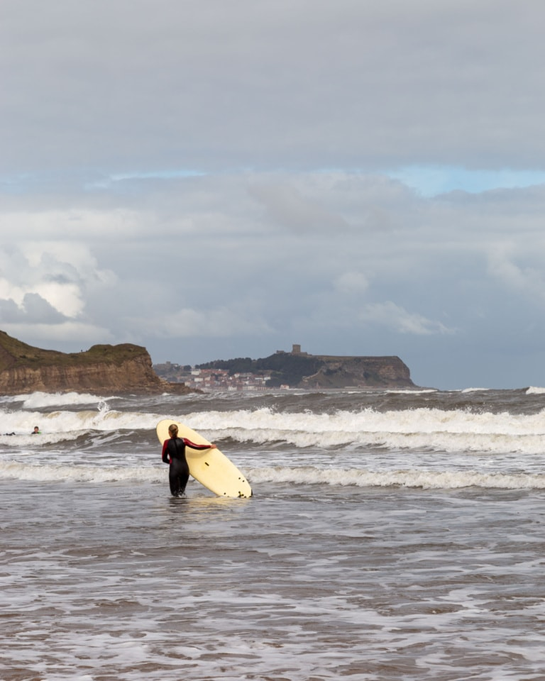 cayton bay, surfing, scarborough, north yorkshire, surf, surf is up.
