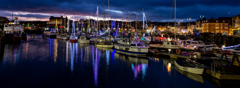 scarborough by night, scarborough harbour, christmas lights